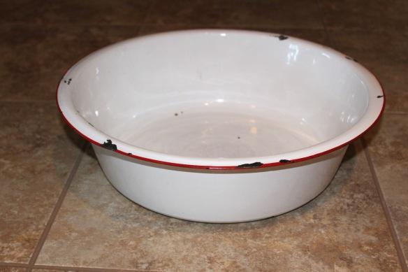 White enamel pan