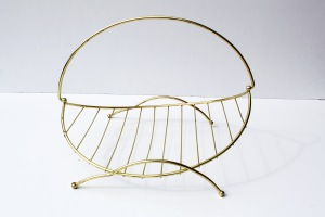 Flat Wire Magazine Rack a